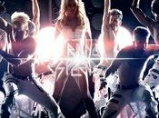 Nouveau clip britney spears hold against (preview premieres images)