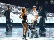 Elisabetta Canalis danse ultra sexy chérie Clooney (vidéo)