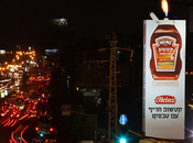 [Out Home] Billboard piquant brûlant pour Heinz Aviv