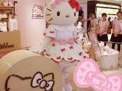 Hello Kitty inaugure boutique Rainbow ribbon