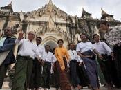 Aung sort pour première fois Rangoun acclamée sympathisants Bagan