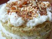 Mini-gâteaux moelleux chantilly turon chocolat blanc, saupoudrée pralin, écorces d'orange amande grillée