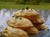 Mardi juin Madeleines polenta thym l'huile d'olive Flétan vapeur écailles concombre Tiramisu glacé pêches