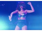"""Rihanna présente nouveau clip """"Cheers (Drink That)"""""""