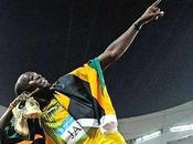 jamaicains Usain Bolt battent record 4X100m