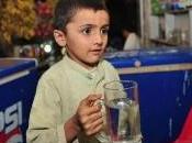 Pakistan: sept ans, travaille place père dans attentat