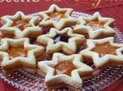 Biscuits étoiles maïzena fourrés confiture