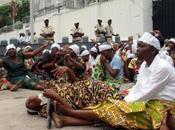 Kinshasa: mamans l'opposition devant l'ambassade