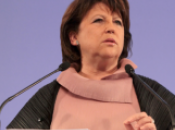 Martine Aubry, 1ère militantes. Meeting, cars normands