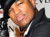 Ne-Yo repasse musique pop/dance Love With You.