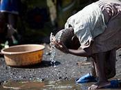 mars Journée Mondiale l'Eau. L'eau sale