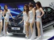 Bangkok Motor Show 2012: Peugeot hotesses charme [HD]
