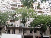 Nouveau Paris détails d'immeuble avenue Raymond Poincaré