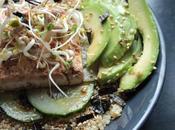 quinoa tofu, avocat concombre, sauce sésame-gingembre