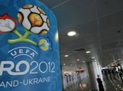 Euro football 2012 Au-delà matchs Polémiques anecdotes récurrentes