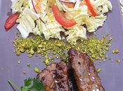 Travers porc caramel salade asiatique
