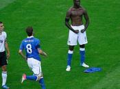Quand Internet s'en prend Mario Balotelli