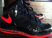 Nike Hyperposite Black/Bright Crimson Charcoal/Atomic Green
