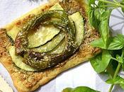 Tarte fine courgettes piments doux sautés pesto basilic