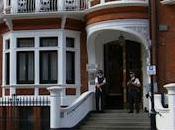 Julian Assange l'Ambassade l'Équateur...