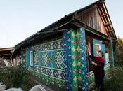 retraitée utilise bouchons plastique pour décorer maison