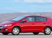 Honda Insight 2013 dans l'ombre Prius
