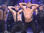 Joseph Gordon-Levitt tombe chemise Saturday Night Live