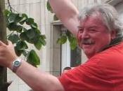Freddy Thielemans, maire Bruxelles, sent pousser intérieur