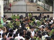 Plus détenus amnistiés libérés parmi lesquels derniers prisonniers politiques encore incarcérés
