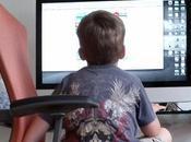 surveillez enfants font Internet