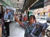 """Vers """"canards laquais""""! retour d'exil, journalistes birmans veulent construire presse libre."""