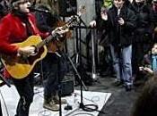 Concert surprise chante dans métro jaurès