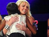Tweets Britney pendant répétitions Factor