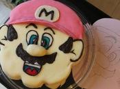 Super Mario bros pour Enzo génoise garnie coulis framboise ganache chocolat blanc)