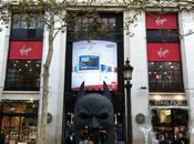 Masque géant Batman Champs-Elysées