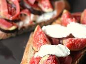 Tartines figues, chèvre jambon Parme