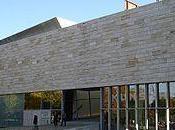 Exposition planète mode Jean Paul Gaultier étoiles