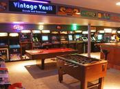 père fils créent salle d'arcade ultime