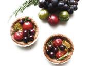 Tartelettes sablées (sans gluten) prunes, raisin romarin