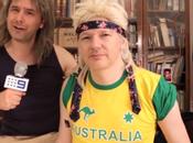 Julian Assange pousse chansonnette pour attirer électeurs