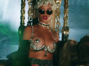 [New Music Video] Rihanna Pour