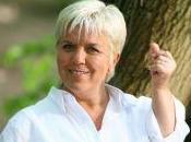 """Mimie Mathy révèle cachet pour jouer dans """"Joséphine, ange gardien"""""""