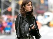 look romantico rock d'Alexa Chung dans rues York...
