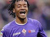 Arsenal joueur Fiorentina dans viseur