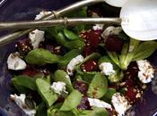 Salade mâche chèvre frais, betterave sauce miel