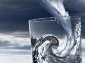 Tempête dans verre d'eau jour fallait commenter blague Hollande