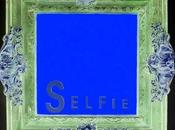 SELFIE, d'Ultra Violet, univers visuel rempli signes, symboles spiritualité