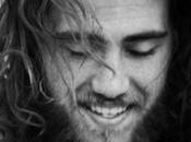 jeune chanteur Australien Matt Corby revisitait, deux maintenant, morceau...