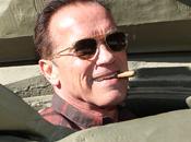 "Arnold Schwarzenegger vous invite ""Crusher"" avec bord d'un tank)"