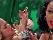 """Shakira Rihanna parodiées dans leur clip """"Can't Remember Forget You"""""""